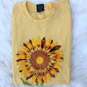Vintage 90s sunflower tee